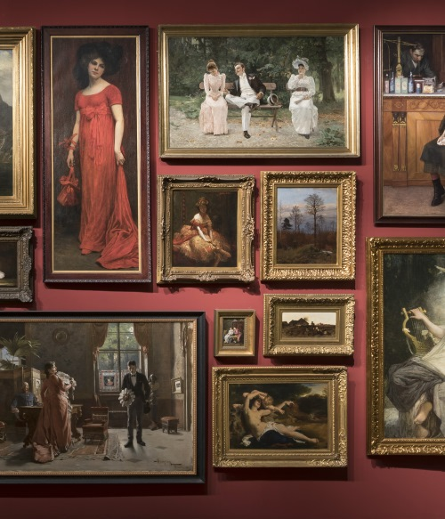 Discover the artworks of our collections!